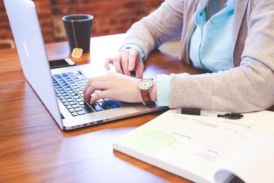ganar dinero en internet trabajar