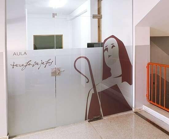 Diseño de vinilos para Santa Teresa de Jesús